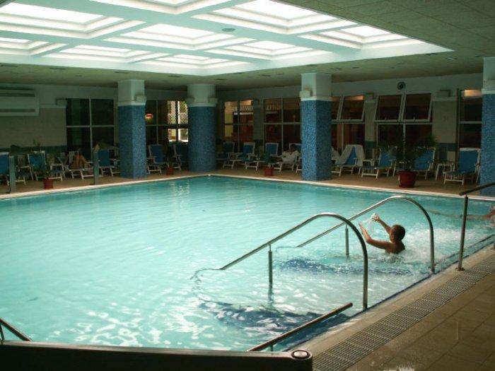 Псориаз и бассейн что нужно знать больному псориазом